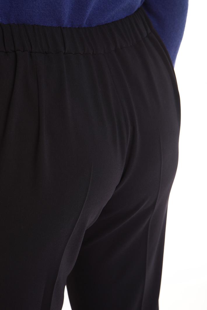 Pantalone lungo aderente Intrend