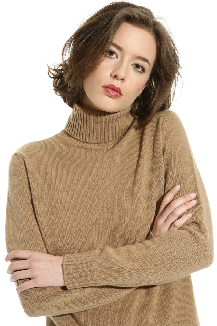 Wool blend turtleneck sweater  Intrend