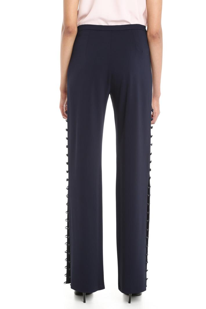 Pantaloni con bottoni laterali Intrend