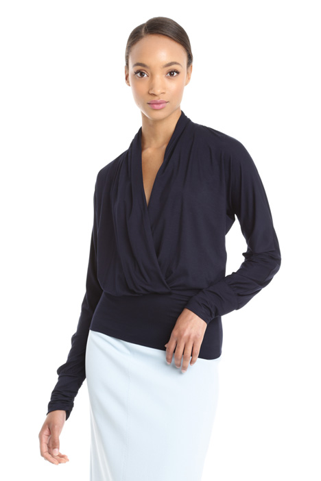 Surplice neck top Intrend