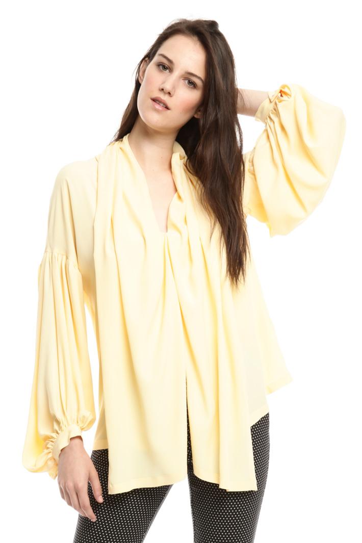 Blusa over in crepe di seta Intrend