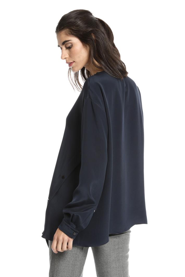 Asymmetrical silk blouse Intrend