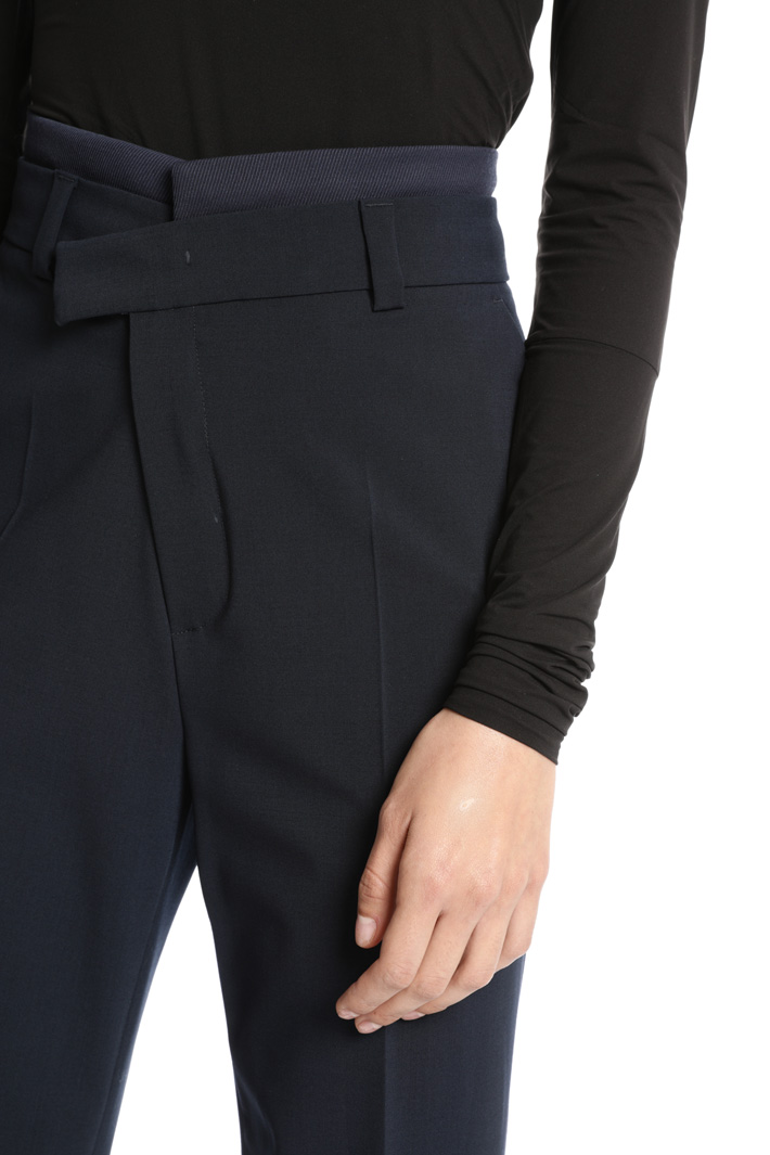 Asymmetrical trousers Intrend