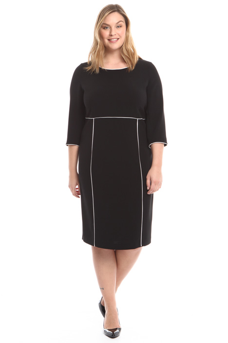 Dress with contrasting edges Intrend