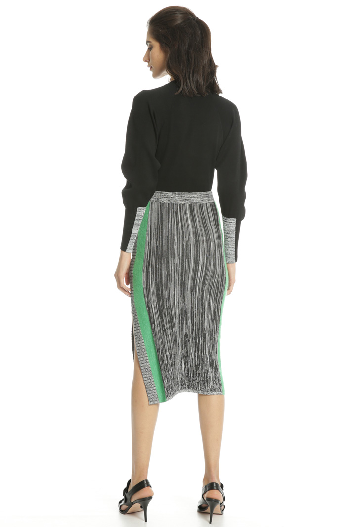 Knitted skirt with slit Intrend