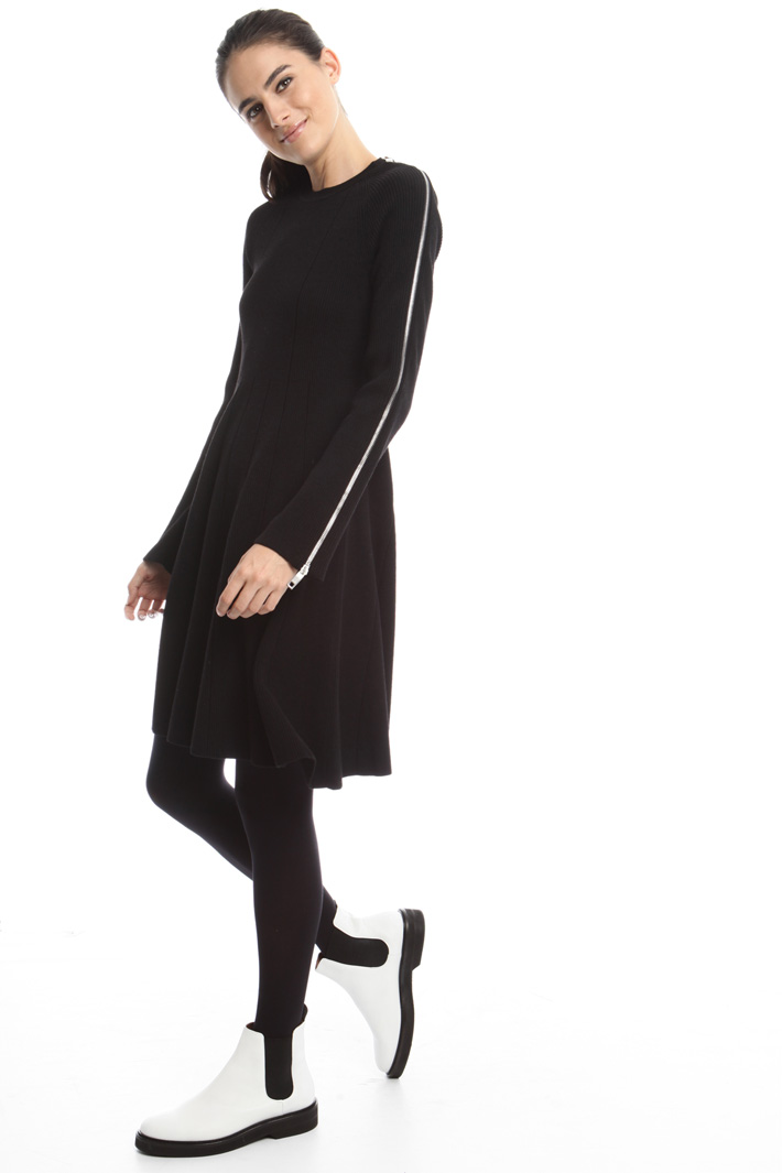 Knitted dress with zip Intrend