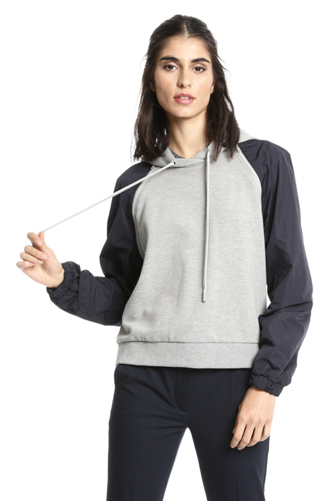 Sweatshirt with tech sleeves  Intrend