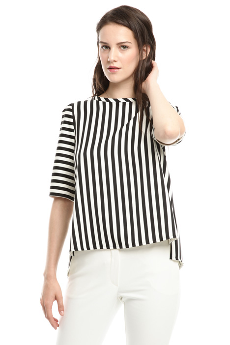 Top in compact fabric Intrend