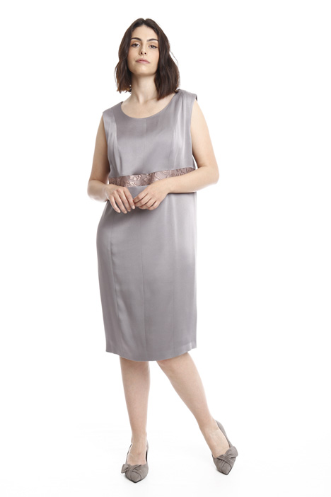 Glossy crepe dress Intrend