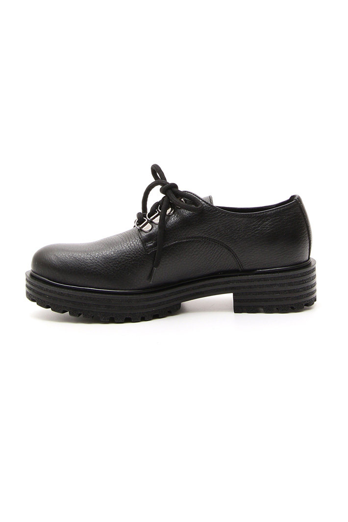 Tumbled laced shoes Intrend