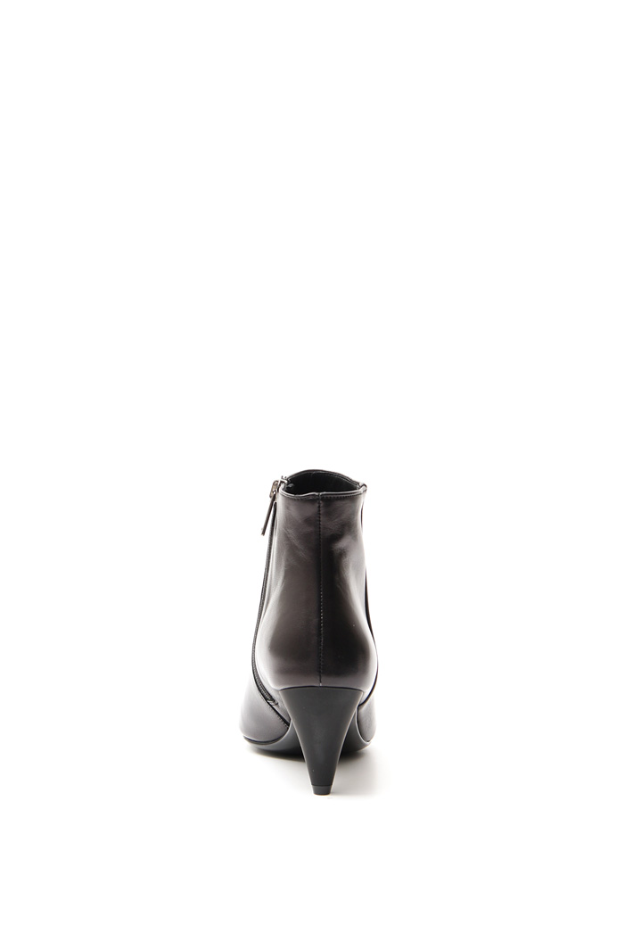 Genuine leather boots Intrend