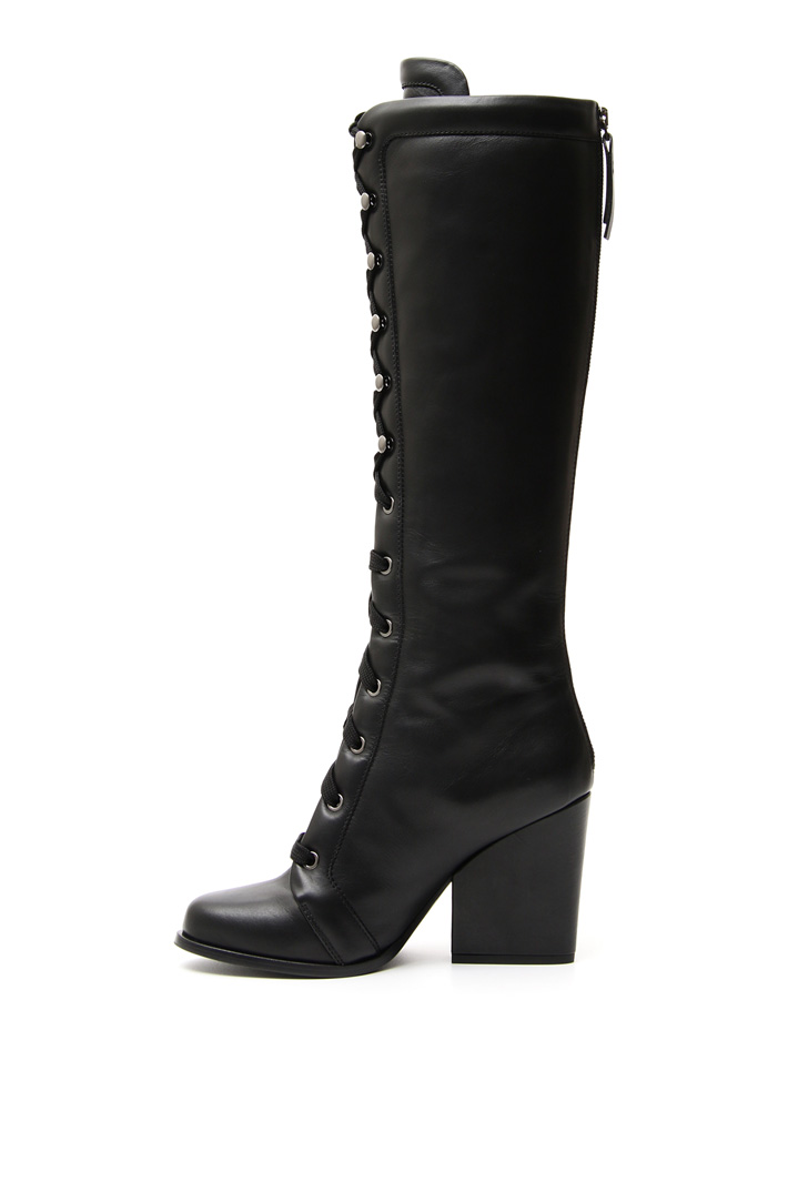 Smooth leather boots Intrend