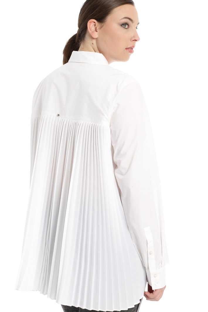 Shirt with pleated back Intrend