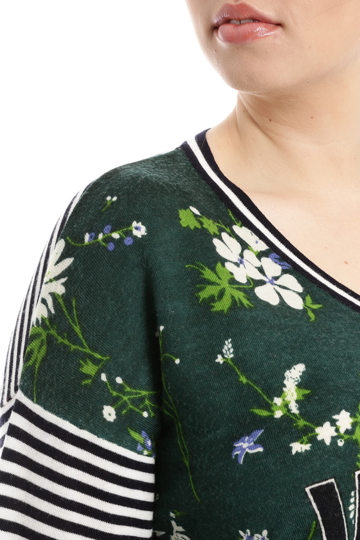 Multi-patterned sweater Intrend