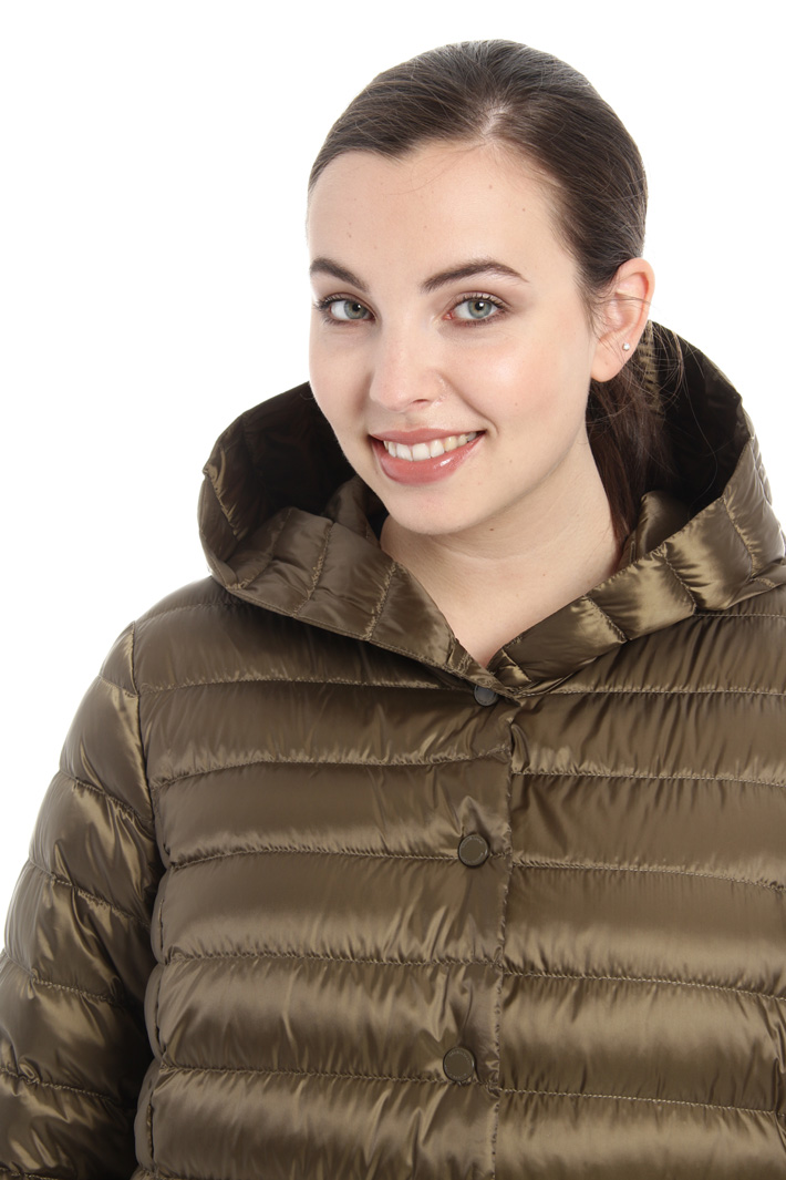 Down coat in anti drip fabric Intrend
