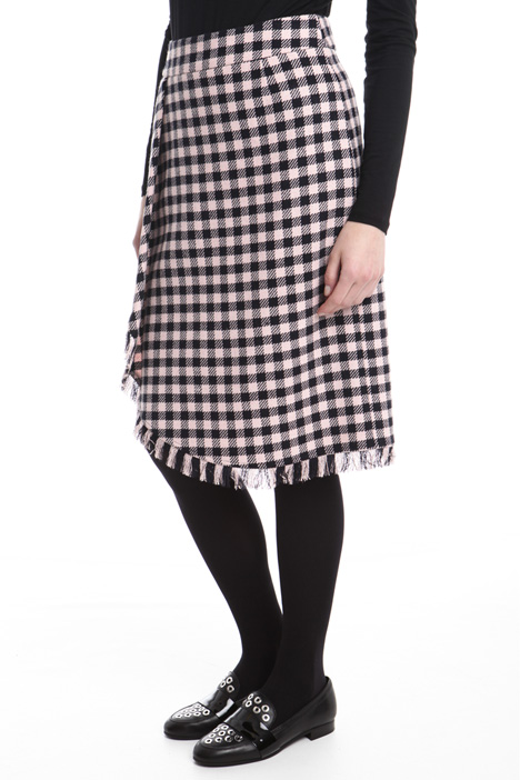 Checked skirt with fringe Intrend