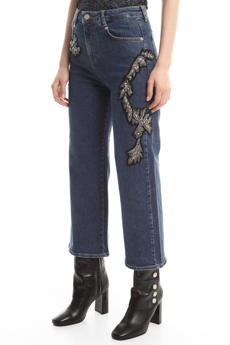 Jeans with bijou embroidery Intrend