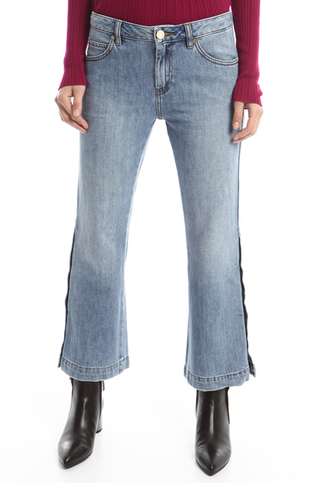 Buttoned flared jeans Intrend