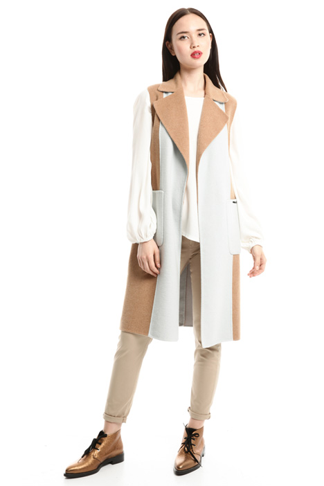 Colour-block sleeveless coat Intrend