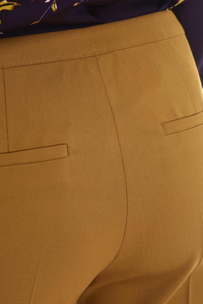 Pantaloni in gabardina stretch Intrend