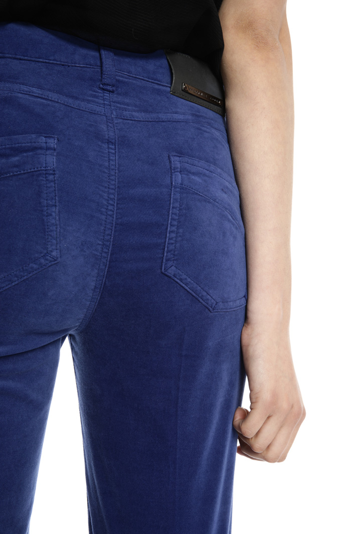 Regular fit velvet trousers Intrend