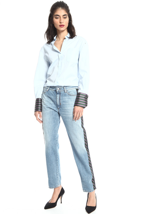 Jeans with satin bands Intrend