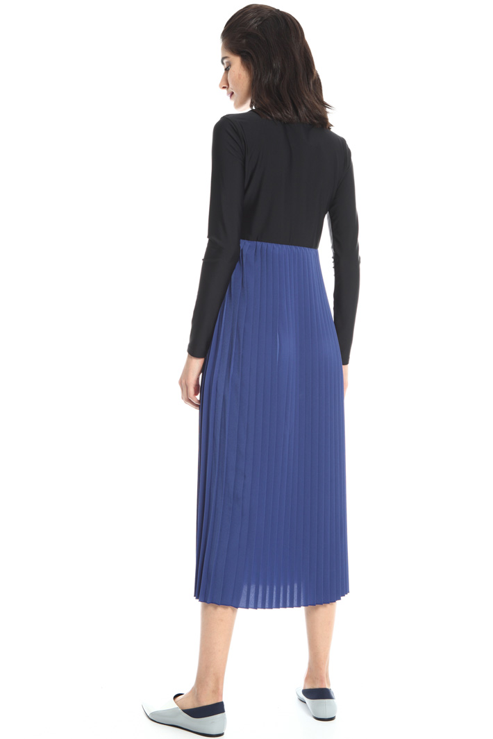 Dress with pleated skirt Intrend