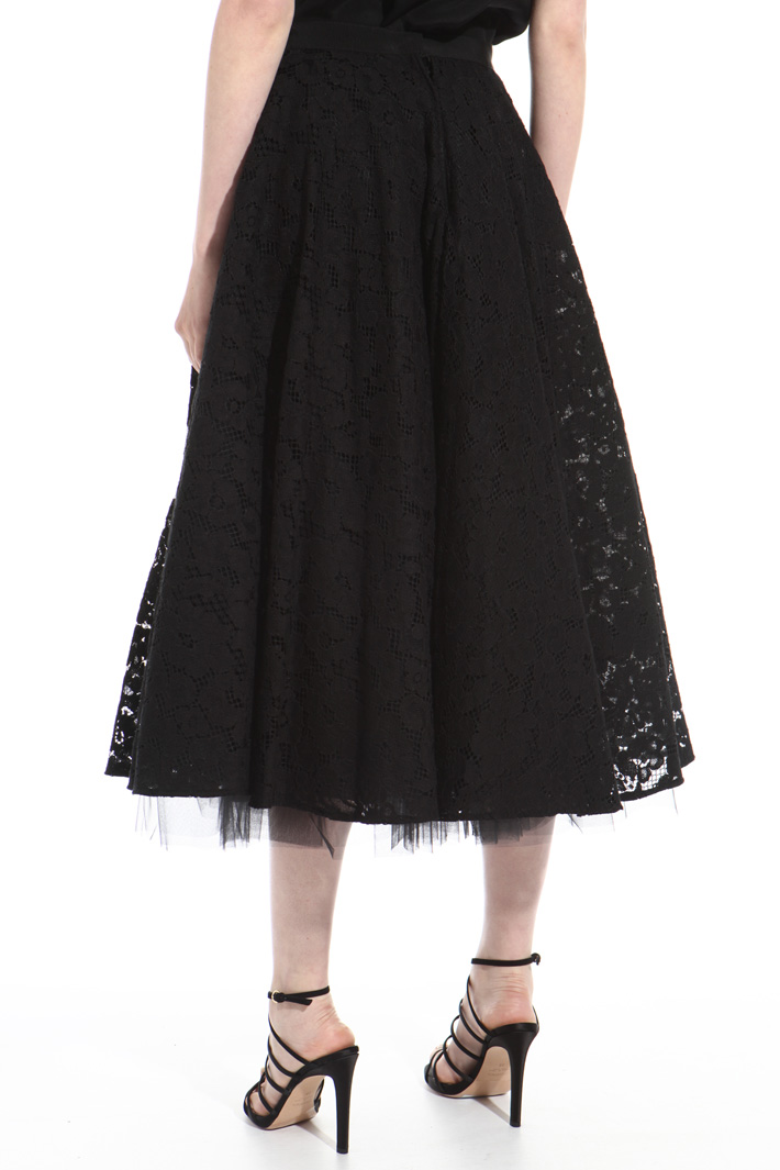Wide lace and tulle skirt Intrend