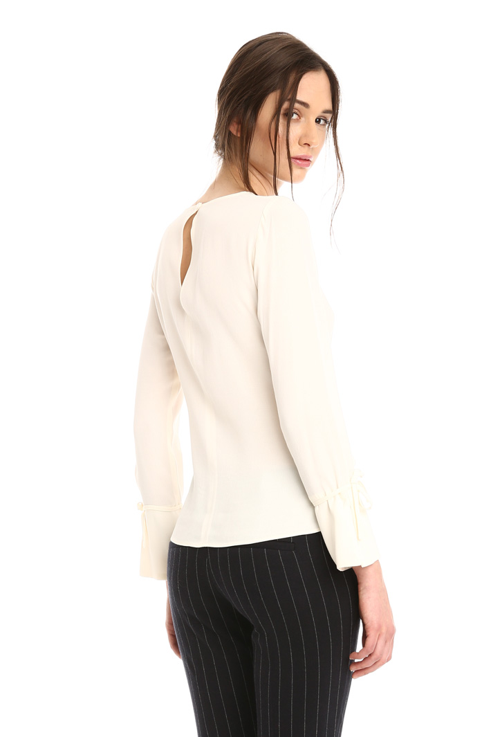 Blusa con nodo in vita Intrend