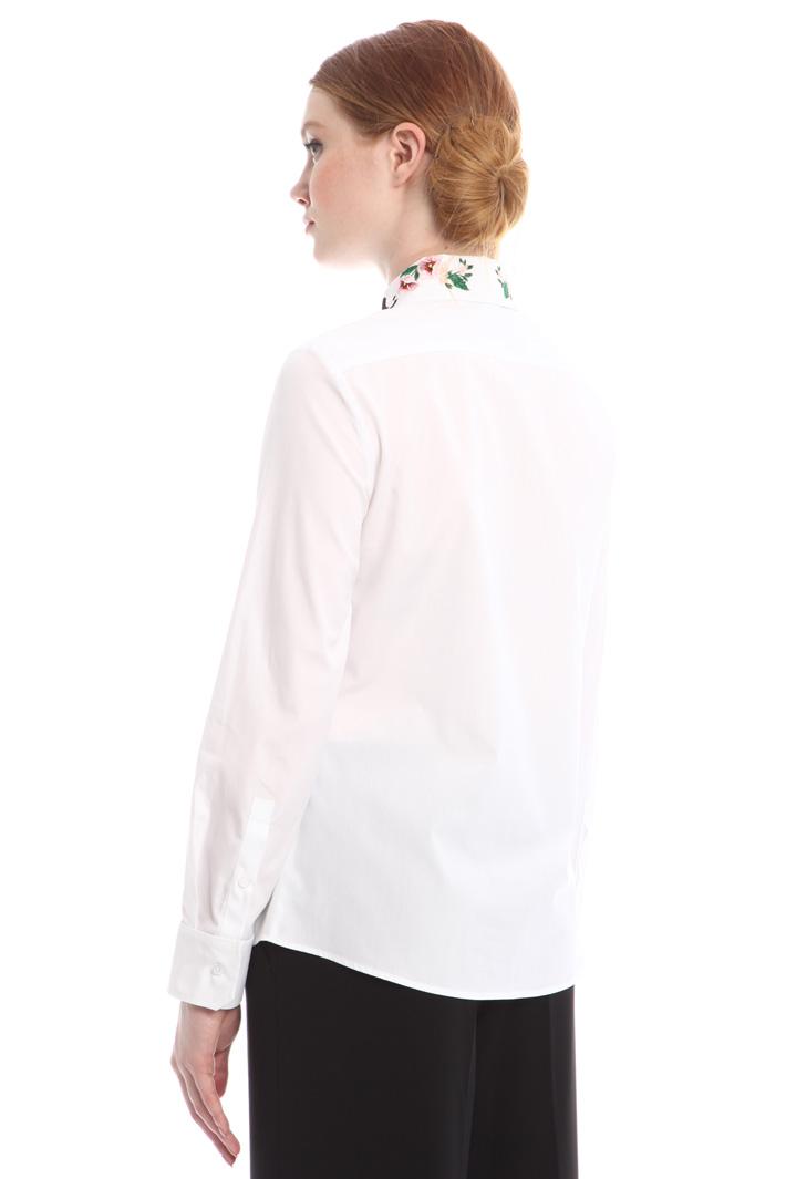 Camicia con colletto ricamato Intrend