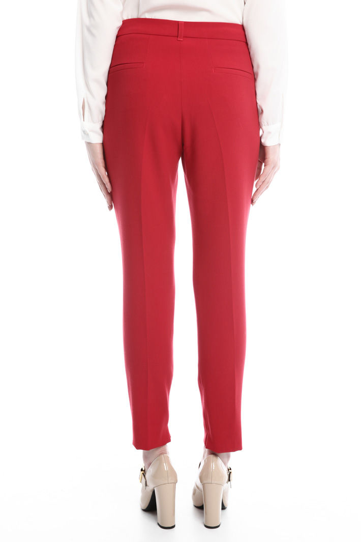 Pantaloni in tessuto stretch Intrend