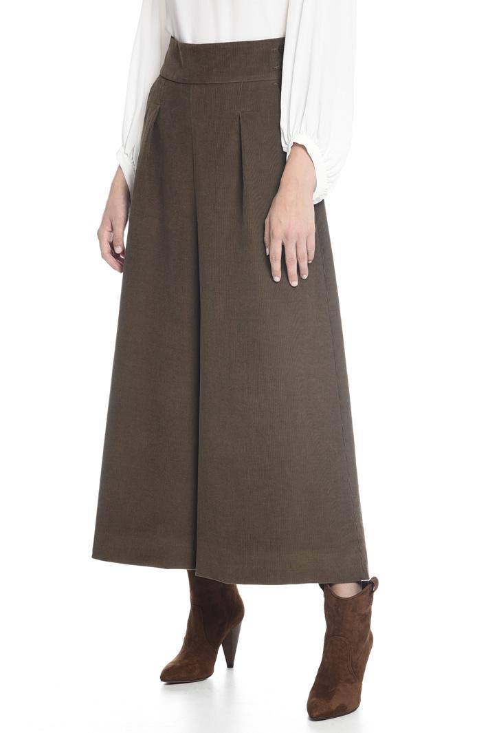 Pantaloni svasati in velluto Intrend