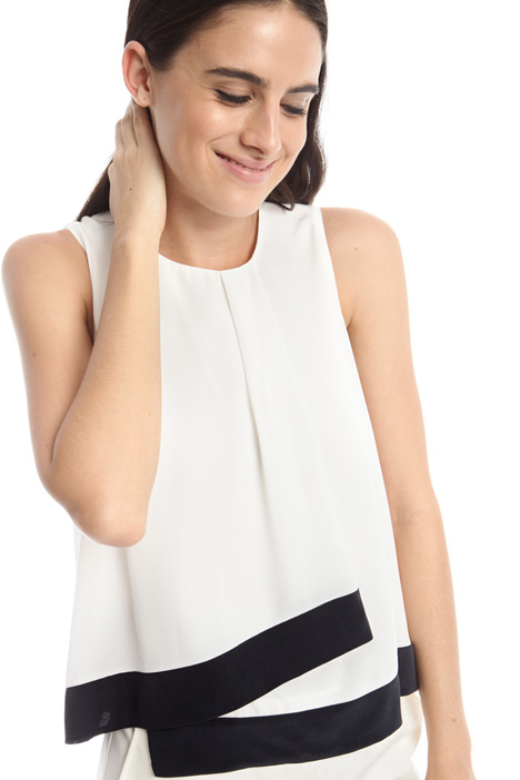 Top with central drape Intrend