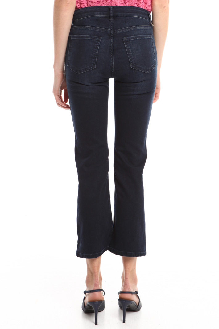 Jeans flared con bottoni Intrend