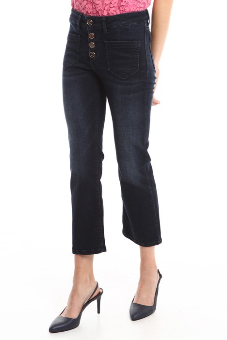 Jeans flared con bottoni Intrend