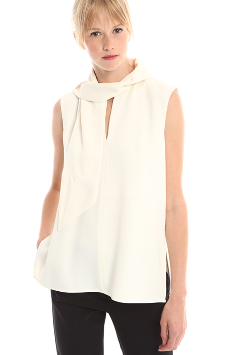 Top in crepe enver satin Intrend
