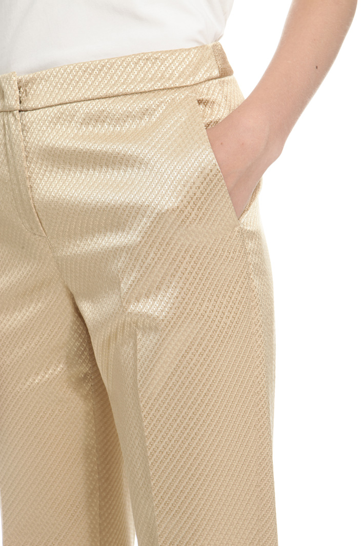 Trousers in textured fabric Intrend