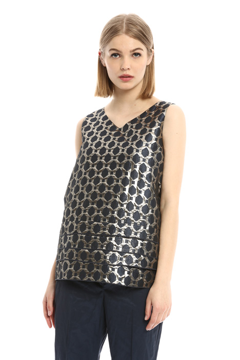 Layered hem jacquard top Intrend
