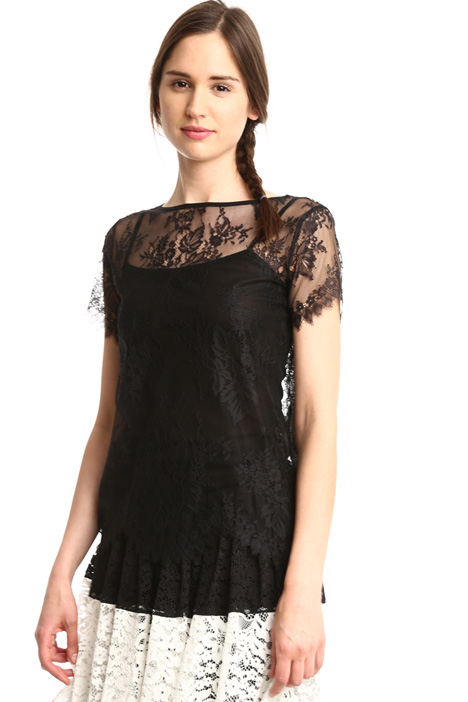 Scalloped edge top Intrend