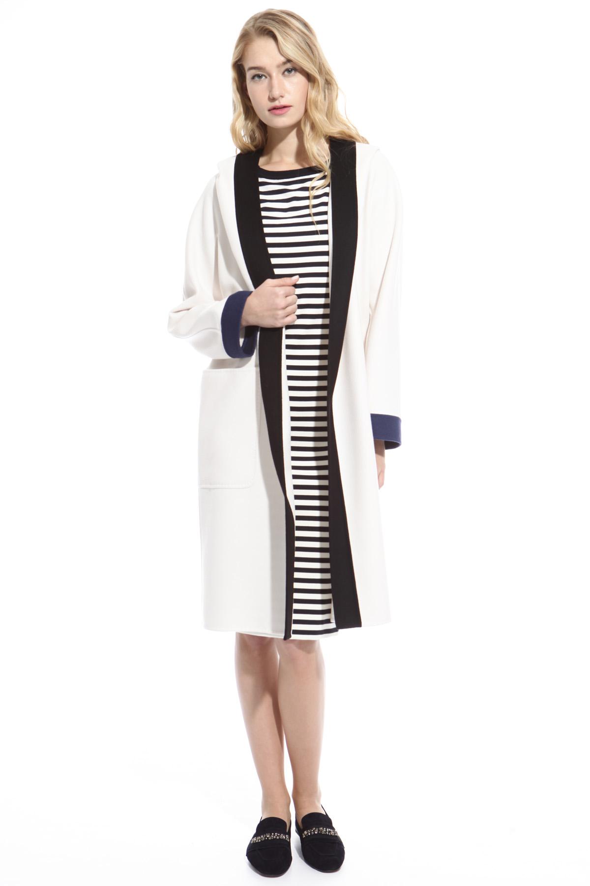 Come abbinare il cappotto a maniche lunghe bianco: 374