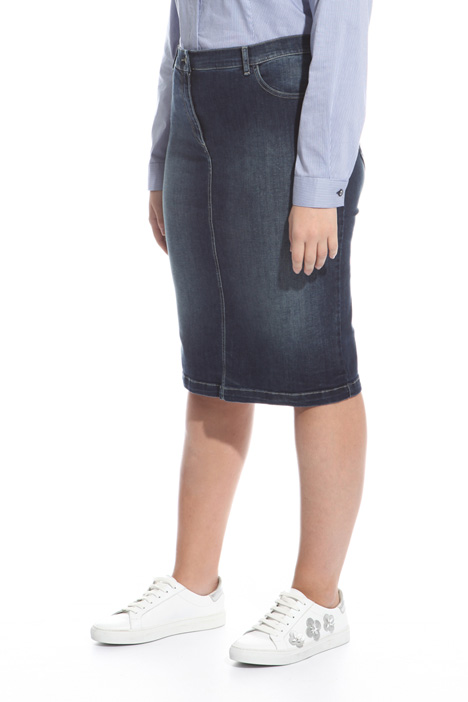 Fitted denim skirt Intrend