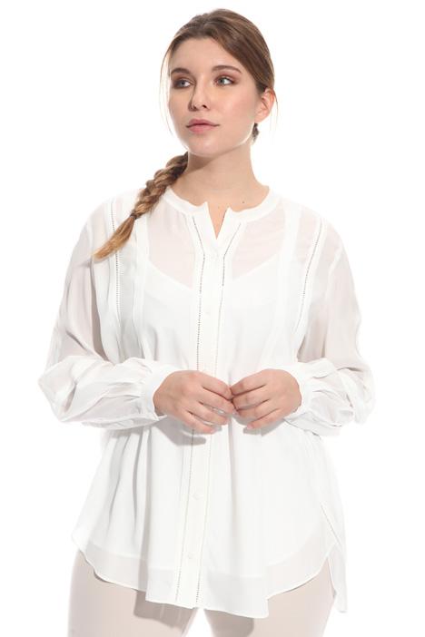 Camicia in sablé con ricami Intrend