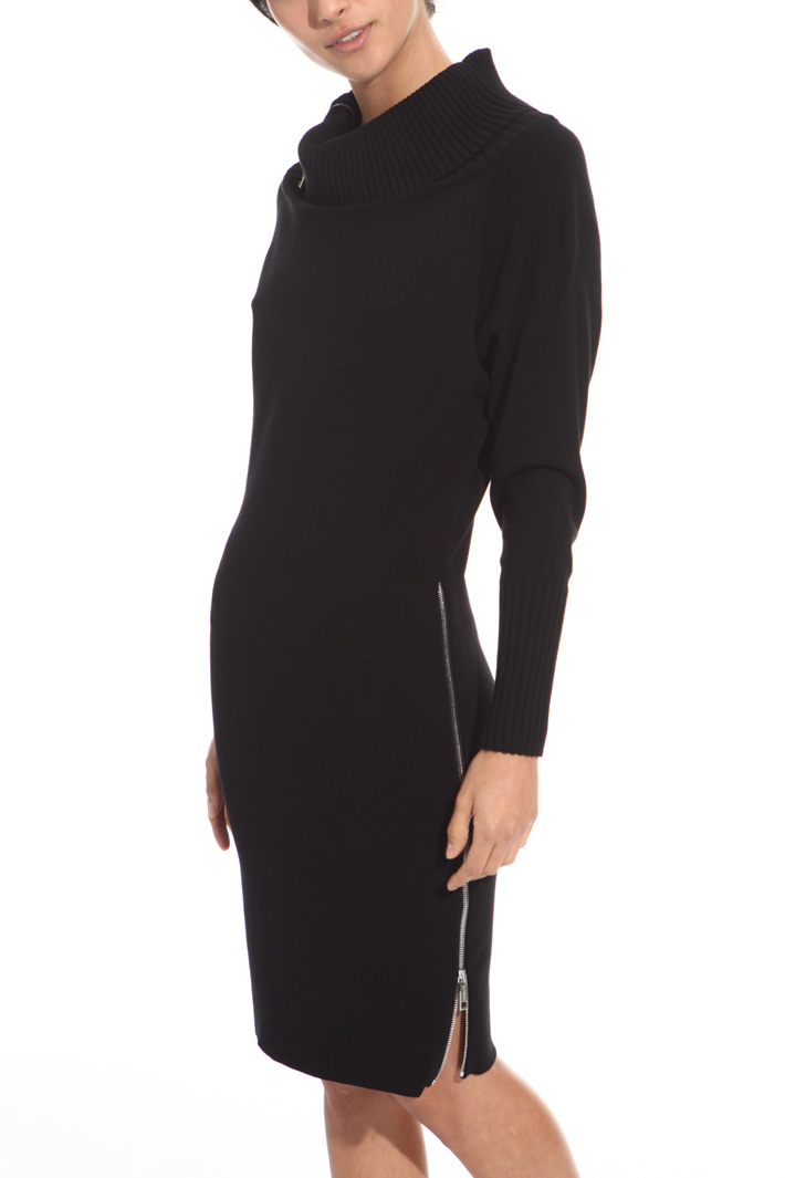 Knitted zip dress Intrend