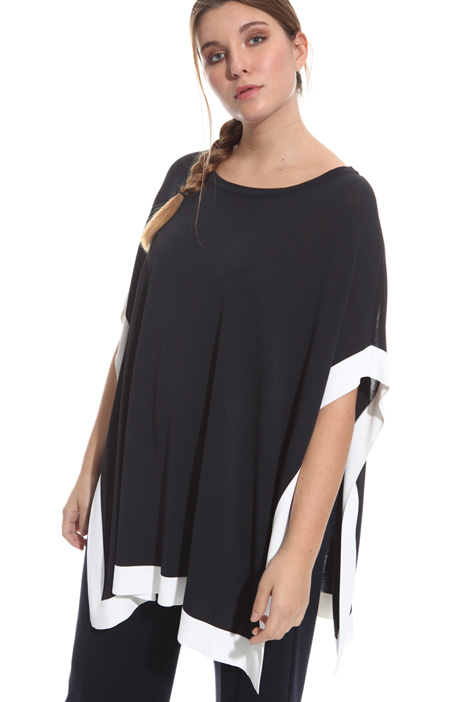 Oversized viscose poncho Intrend