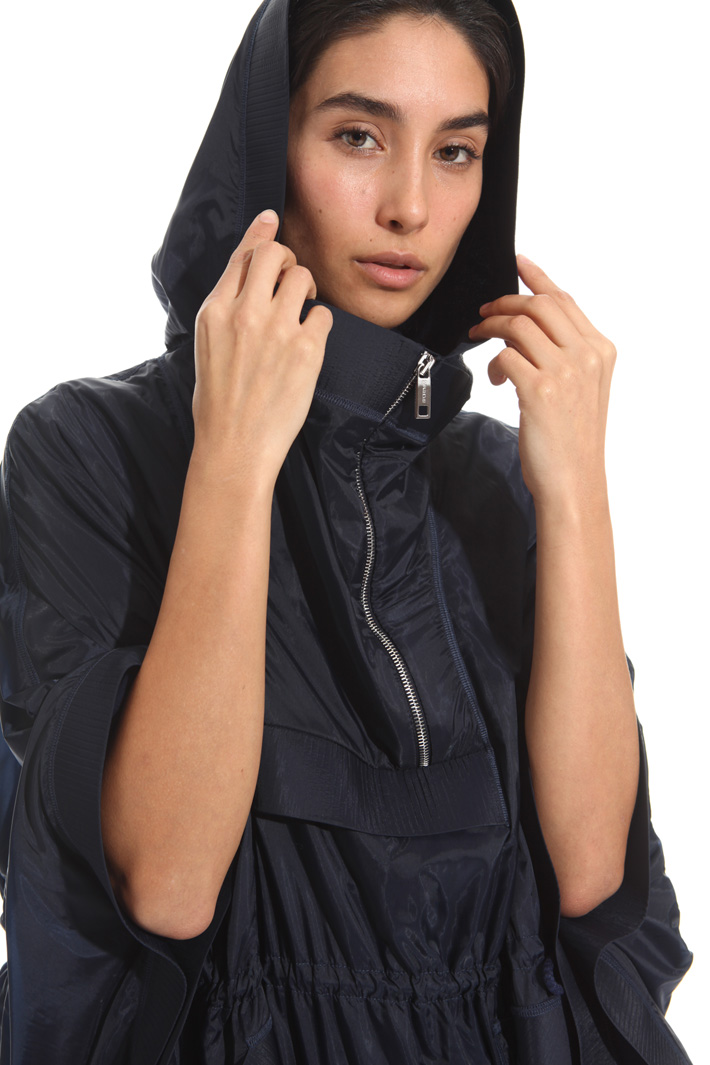 Fluid fabric poncho Intrend