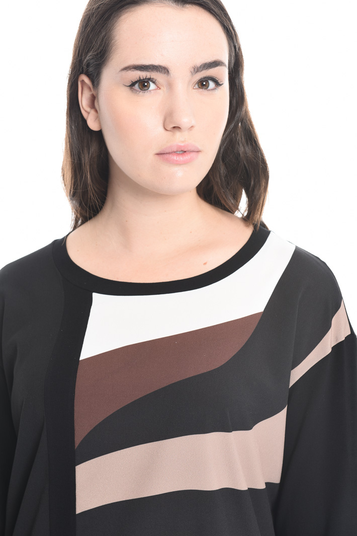 T-shirt in jersey and crepe Intrend