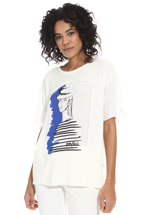 Crepe detail T-shirt Intrend