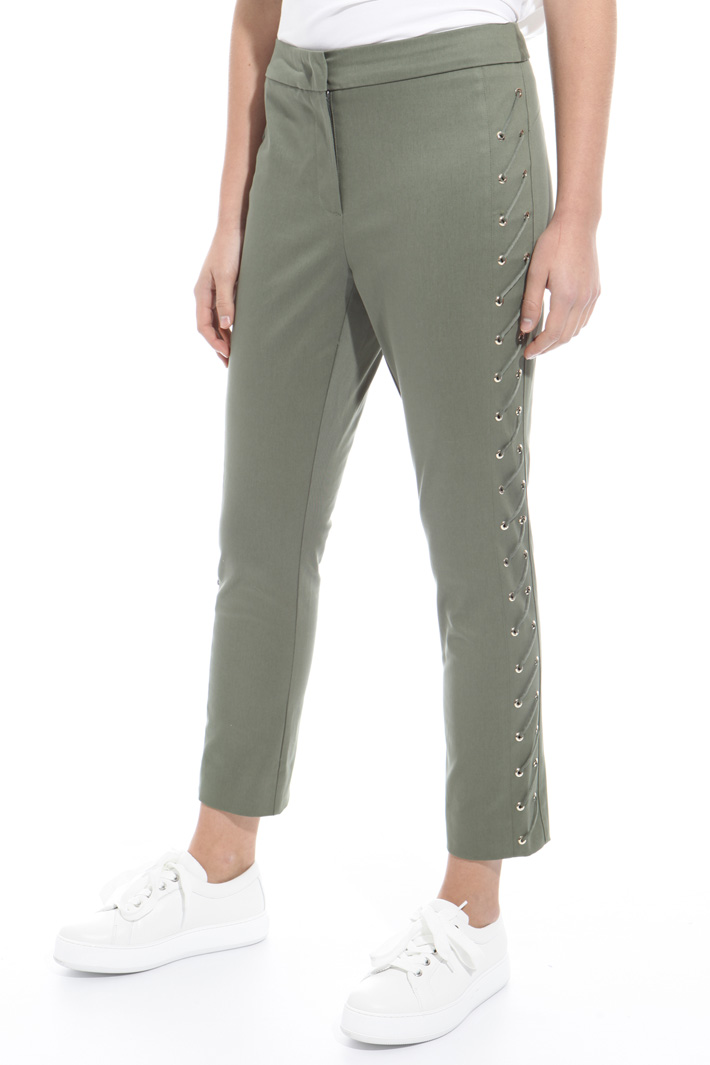 Laced trousers Intrend