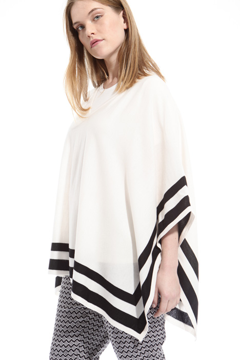 Pure wool poncho Intrend