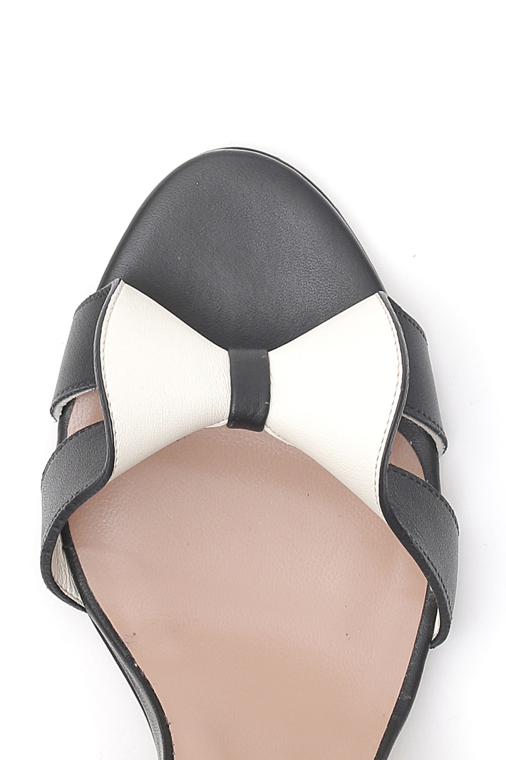 Bow detail leather sandals Intrend